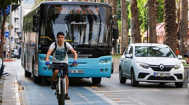 Ana caddelerdeki bisiklet yolları kalktı