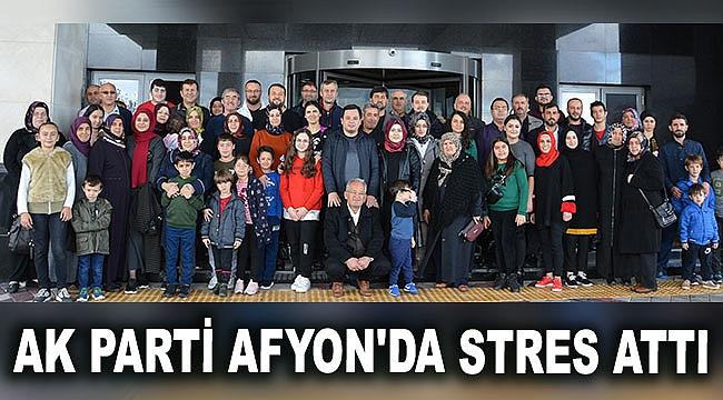 AK Parti Afyon'da stres attı