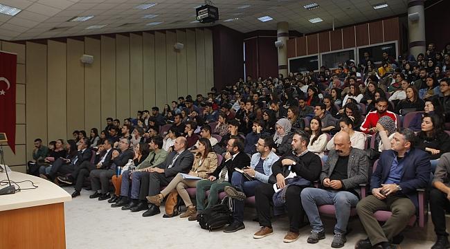 AÜ'de Erasmus konferansı