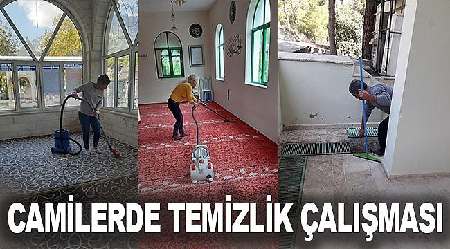 Camilerde temizlik çalışması