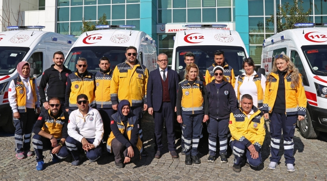 Antalya'ya 5 ambulans daha