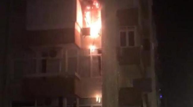Gece yarısı daire yangını korkuttu