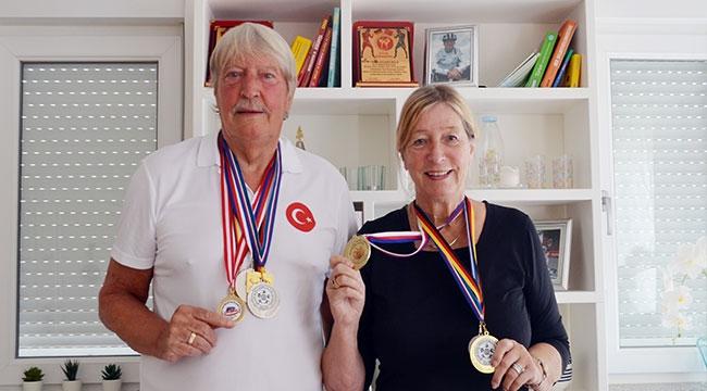 Alman çiftten 150 aileye destek