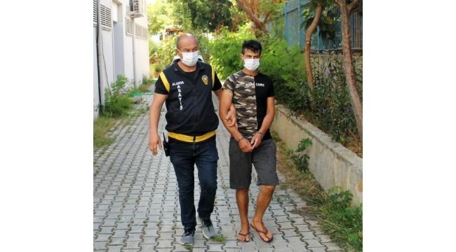 Alanya'da elektronik eşya ve motosiklet hırsızı yakalandı