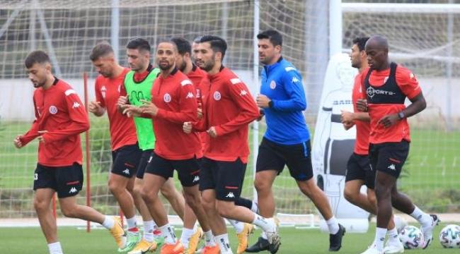 Antalyaspor, Başakşehir ile 30'uncu randevuda