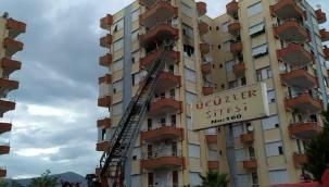 Kumluca'da sitede yangın