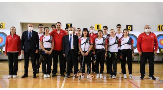 Vali Yazıcı'dan milli sporculara ziyaret