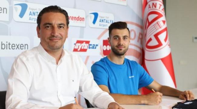 Ataberk Dadakdeniz FTA Antalyaspor'da