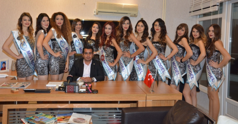 Finalist güzellerden 'sponsor'a ziyaret