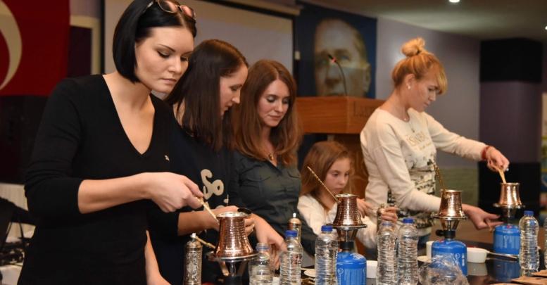 Rus gelinler kahve yaptı