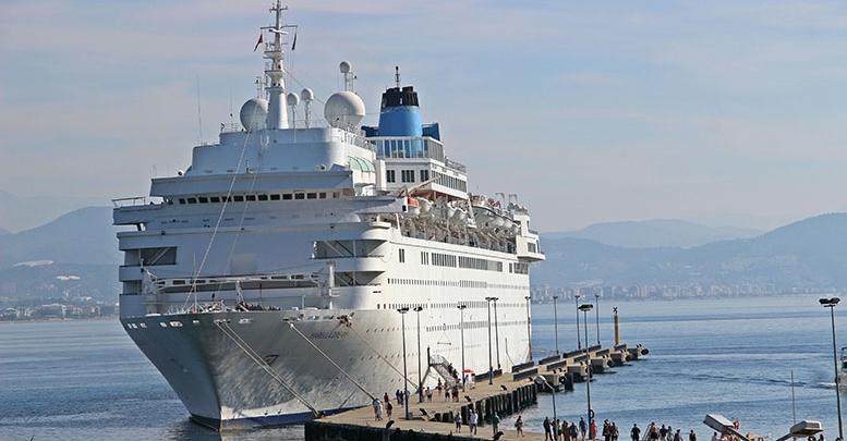 Turistler denizden geldi
