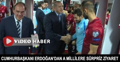 Cumhurbaşkanı Erdoğan'dan A Millilere sürpriz ziyaret